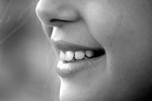 """מעשנים נמצאים בסיכון גבוה לחלות במחלות בחלל הפה. ד""""ר שי דורי."""